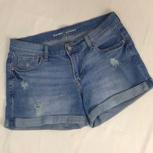 Old Navy- distressed boyfriend shorts size 8